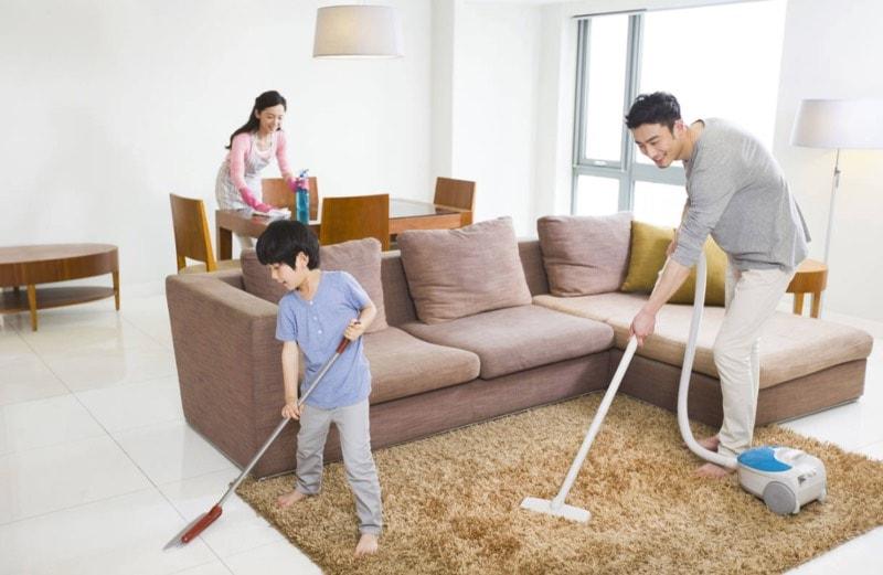 Nhà cửa và bàn thờ cần phải được làm sạch trước khi cúng rước ông bà