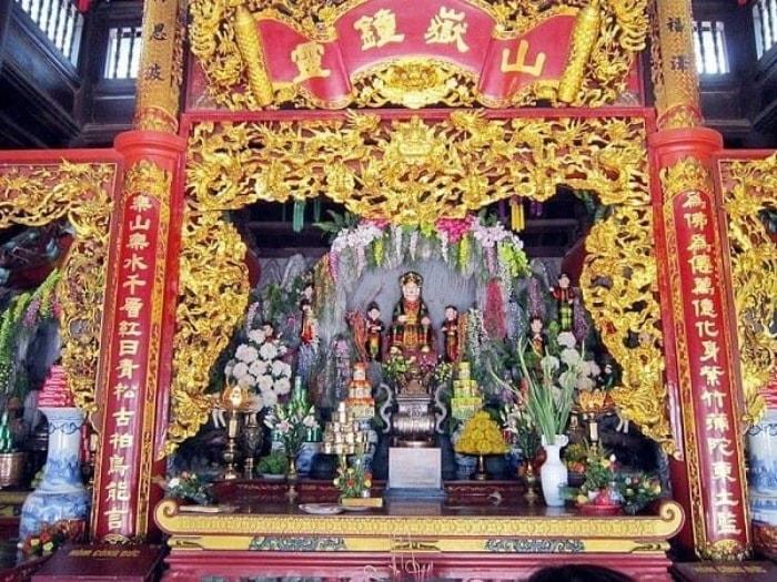 Ban Sơn Trang thờ ai?