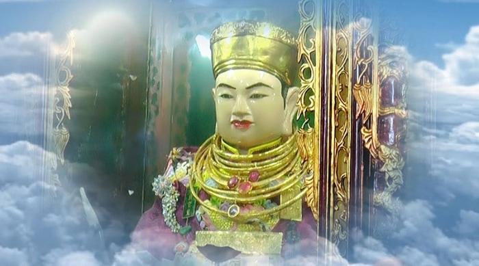 Theo truyền thuyết, Ông Hoàng Bảy chính là con của Đức Vua Cha được giáng xuống trần gian đầu thai làm con của một gia tộc họ Nguyễn
