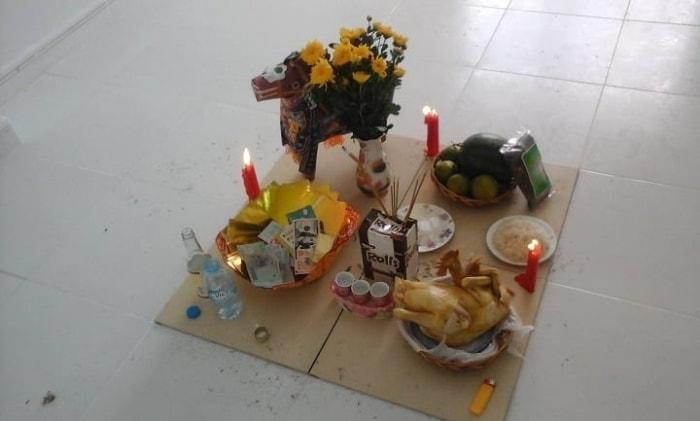 Lễ cúng này nhằm mục đích xin phép thần Thổ Địa và các vị thần sinh linh sinh sống, cai quản tại nhà mới