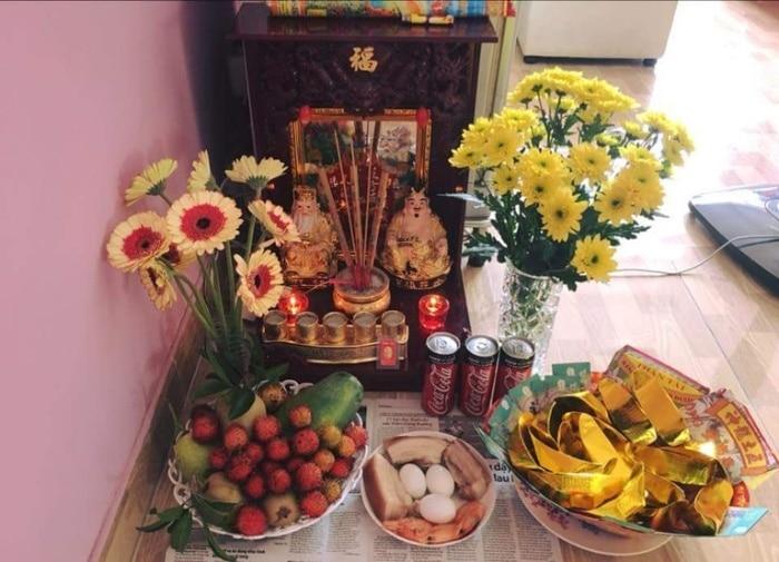 Thực hiện nghi lễ cúng bái được xem là cách để cầu xin các vị Thần giúp chúng ta trông coi nhà cửa, tiền vàng